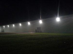 usługi elektryczne oświetlenie na elewacji